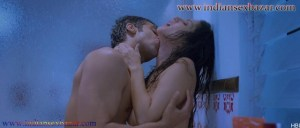 Sunny Leone topless Kissing shower scene Ragini MMS 2 sunny sex photos 10