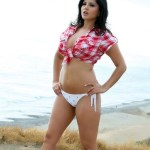 HOT Sunny Leone's photos on the road in rocking area