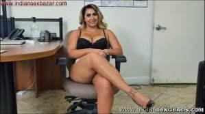 Big Boobs Girl Giving Handjob XXX Pic Curvy big tits lady Nina Kayy giving handjob Showing Big Boobs nude pic00007