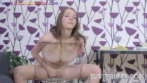 बोबो से खलते हुए मोटे मोटे बूब्स वाली लड़की के नंगे फोटो Girl Playing with boobs (11)