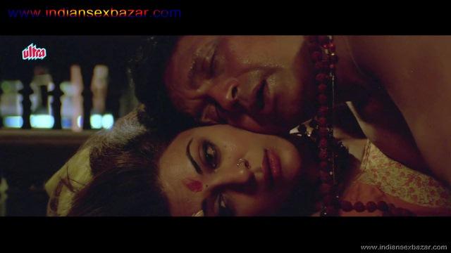 मिथुन चक्रवर्ती सुष्मिता सेन को चोदते हुए इंडियन पोर्न सुपरहिट फिल्म चिंगारी (11)