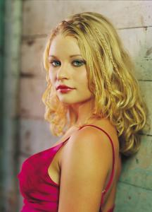 Australian Models and Actress Emilie de Ravin XXX Full HD Porn Australian Actress Fucking XXX PHOTO (1)