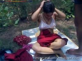 आदिवासी महिला की झोपड़ी में चुदाई कुत्ते के साथ नंगी ब्लू फिल्म पोर्न विडियो और फोटोज (13)