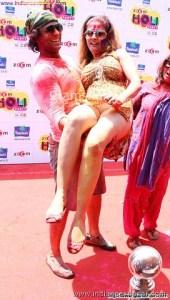 Randbaj ladki on Holi fastival nude xxx सेक्सी माल लड़की होली पर रांड बाजी करते हुए फोटो (2)