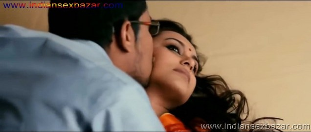 Rani Mukherjee On Screen Sex Video And Fucking Pic Most Romantic Scene Ever In Bollywood Bollywood Romance Porn Video Of Rani Mukherjee XXX (7)