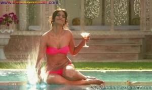 बॉलीवुड एक्ट्रेस इन बिकिनी Bollywood Actresses In Bikini HD Photos Indian Actress Hot Bikini Photo Collection Bikini Pic Download Girl In Bikini Photo (43)