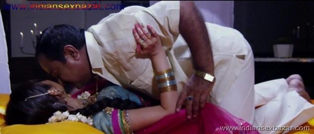 बहु खुशी खुशी अपने ससुर के साथ सुहागरात मनाते हुए चुदाई के फोटो Indian Sex Scandals (2)
