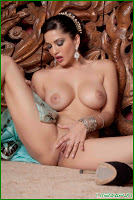 Sunny Leone Topless