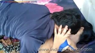 ब्लू ब्रा वाली गर्लफ्रेंड बेडरूम में नंगी होकर चुदवाते हुए फोटो Indian Sex Scandals (6)