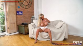 Extremely Big Breasted Busty Blonde Nude Masturbating Her Snatch XXX Photo Gallery (13)