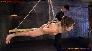 Full HD XXX Porn Photo Gallery गांड और चूत में सरसों का तेल लगा डंडा गुसाते हुए जवान सेक्सी नंगी लड़की की (9)