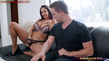 Pornstar Ava Addams Seduces The Panties Thief Full HD Porn And Images XXX Photo Gallery (15)
