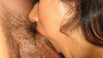 Hindi Sex Stories हिन्दी पोर्न फिल्म देखकर नौकर के 12 इंच लम्बे और 4 इंच मोटे लंड से चूत चुदवाई