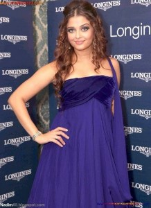 Naked Photo And Video Aishwarya Rai Real Big Milky Boobs Showing From Clothes (8)