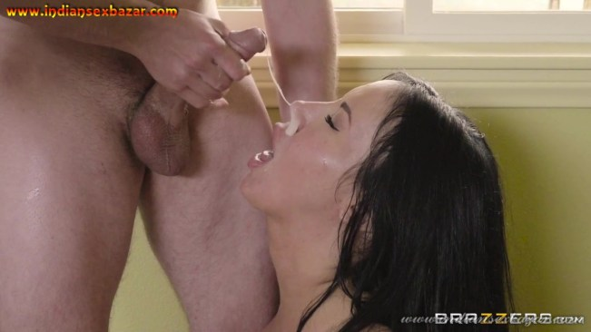 XXX Porn Pic Big Boobs MILF Maid Doing Sex With House Owner XXX Photos By Brazzers (9)