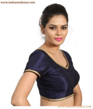 Without Saree Porn Indian Girls In Tight Fitting Blouse Showing Nice Boobs Very Hot Pictures (12)