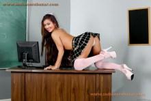 Neha Kakkar Hardcore Porn इंडियन सिंगर नेहा कक्कर नंगी गांड और चूत चुदवाते हुए हार्डकोर पोर्न फोटो (14)
