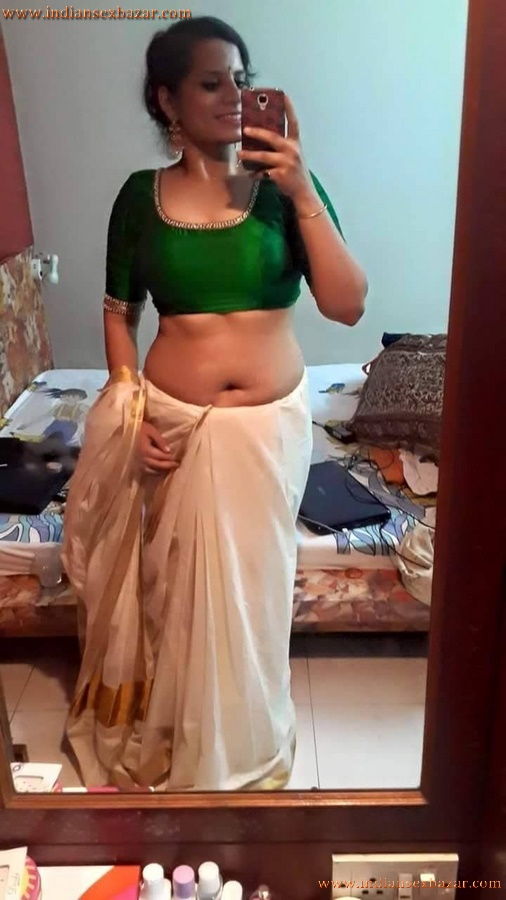 Sexy Navel Of Newly Married Indian Bhabhi Very Hot Photos 2