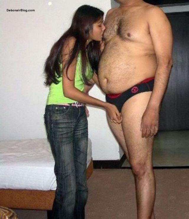 गरीब लड़की पैसो के खातिर कॉल गर्ल बन चुदवाने लगी Hindi Sex Story 3