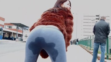 Ava Pissing And Dripping Wet Yoga Pants In Public Outdoor Full HD Porn And XXX Porn Pic Gallery 5