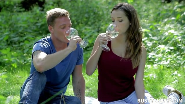 Busty Buffy Feeding Huge Breast To Boyfriend Outdoor Full HD Porn Video And Pic Gallery 1