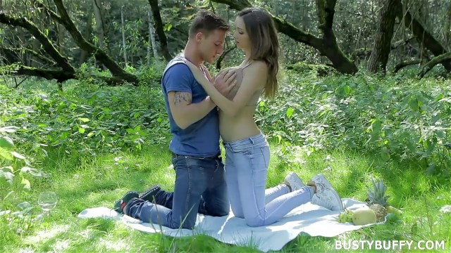 Busty Buffy Feeding Huge Breast To Boyfriend Outdoor Full HD Porn Video And Pic Gallery 4