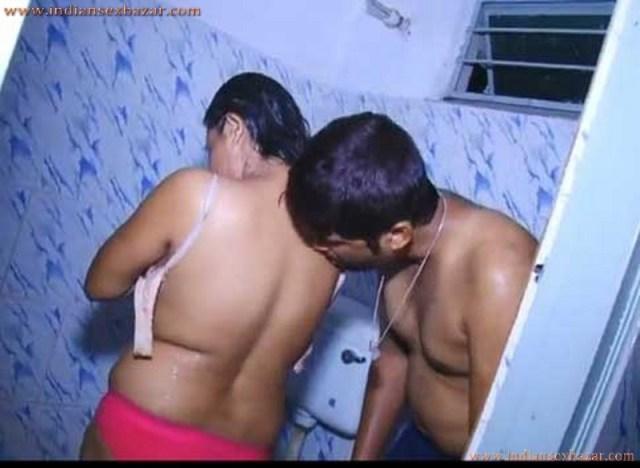 सुसराल के बाथरूम में साले की बीवी की चूत चुदाई करी Hindi Sex Story 5