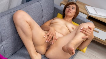 Naked Hot Milf With A Lovely Body Vaginal Fingering Full Hd Porn Movie