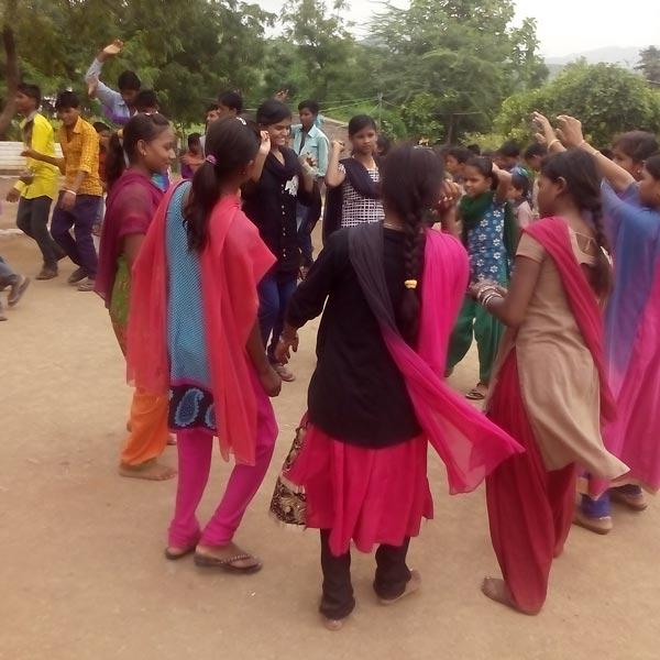 kakrana-ranikajal-jeevan-shala-dance