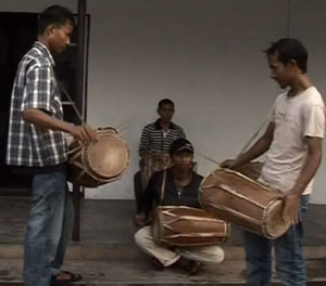 khasi_video_screenshot_03_jeebonroyakademi
