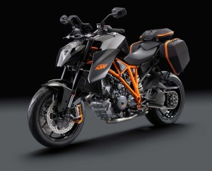 2014-KTM-1290-Super-Duke-R-11