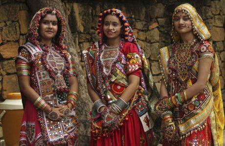 gujarat traditional costumes
