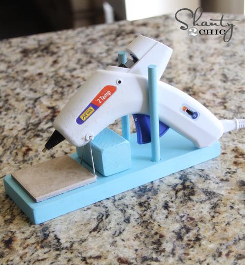 Diy hot glue gun holder indie crafts for Glue guns for crafts