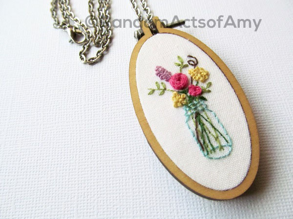 Amy_Byrne_floral_necklace