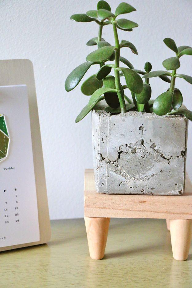 Diy Mid Century Modern Plant Stand Indie Crafts