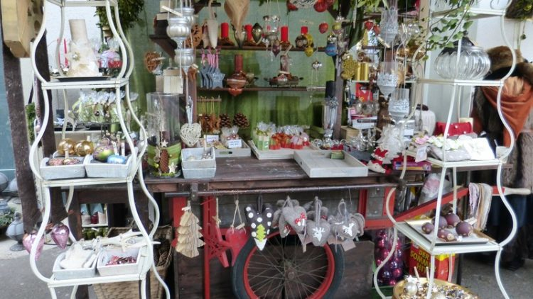 The psychology of sales at a craft show indie crafts for How to sell at craft fairs