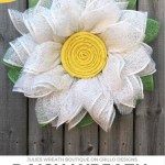 Make A Burlap Daisy Wreath with this DIY