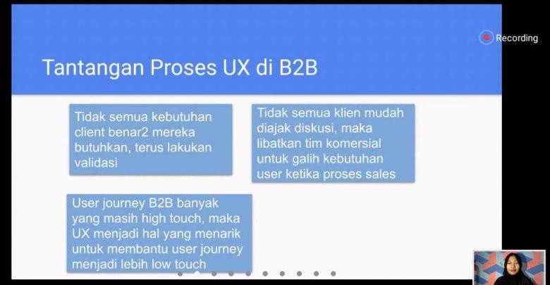 Arin Siska, UX Researcher Nodeflux sedang menjelaskan materinya