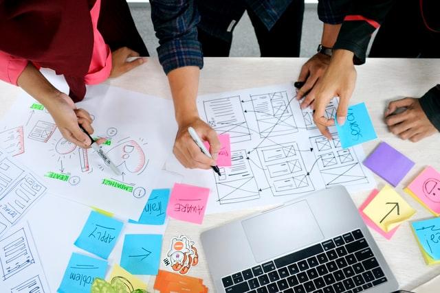 Tips berkarir sebagai UX Designer (Photo by UX Indonesia on Unsplash)