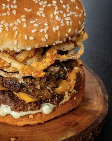 Lawless Burgerbar Rayakan Anniversary 10 Tahun Lawless Jakarta!