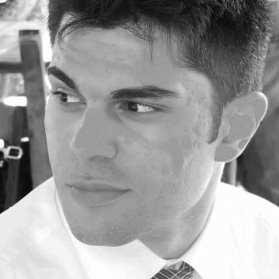 Lo scrittore Gabriele Dolzadellli che dal 2014 si è affacciato nel mondo dell'editoria indipendente pubblicando la saga Jolly Roger