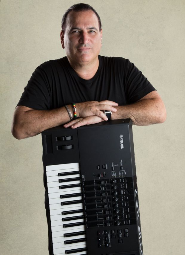 DAVID GARFIELD WITH KEYBOARD PIC