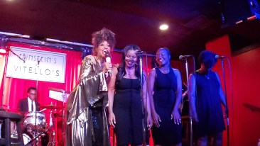 Stephanie Spruil 3. with backup singers .Vitellos 5.21.19. photo Patrick O'Heffernan