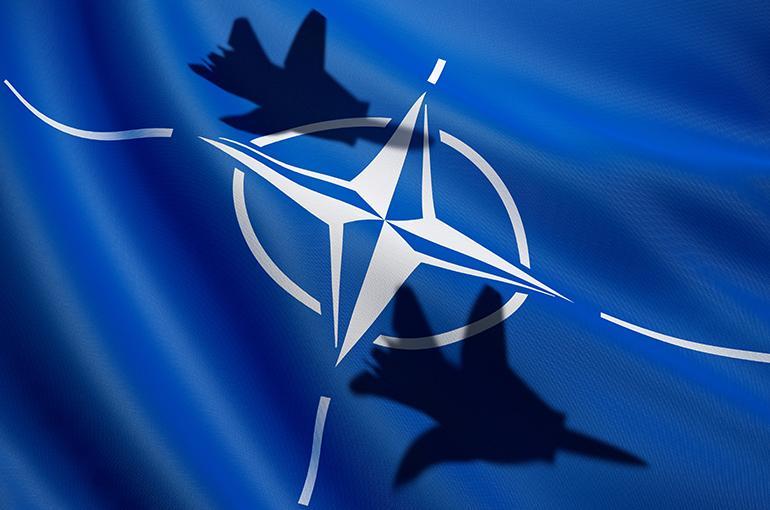 Gekibbel in Den Haag, wapengekletter aan Europese oostgrens: wat is spannender?