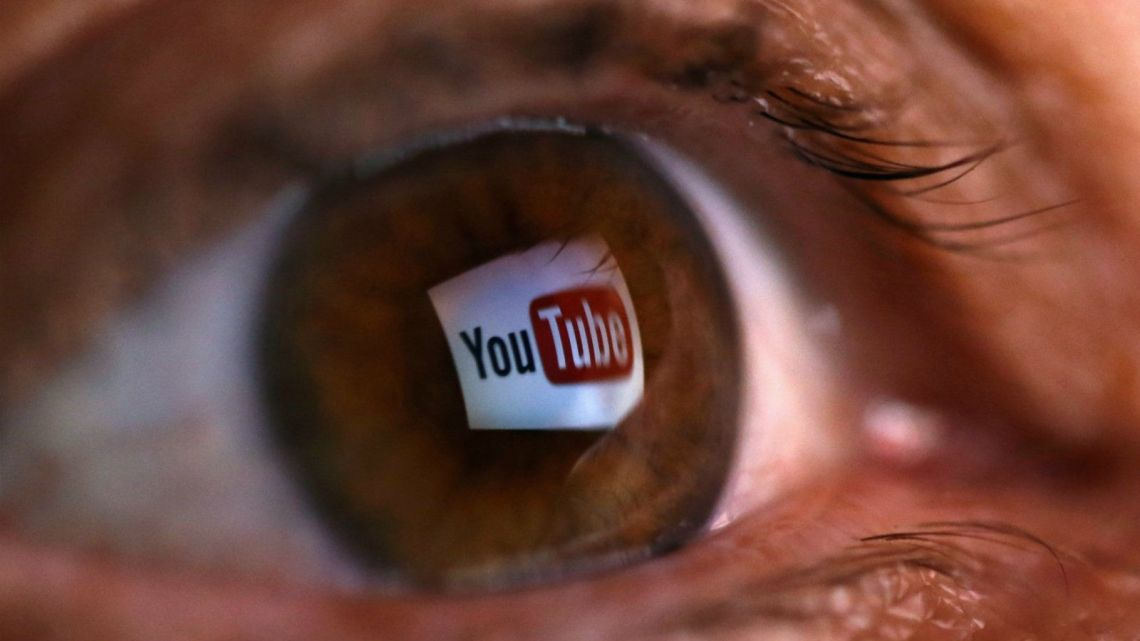 YouTube heeft net het eerste schot in een nieuwe oorlog over journalistiek afgevuurd…