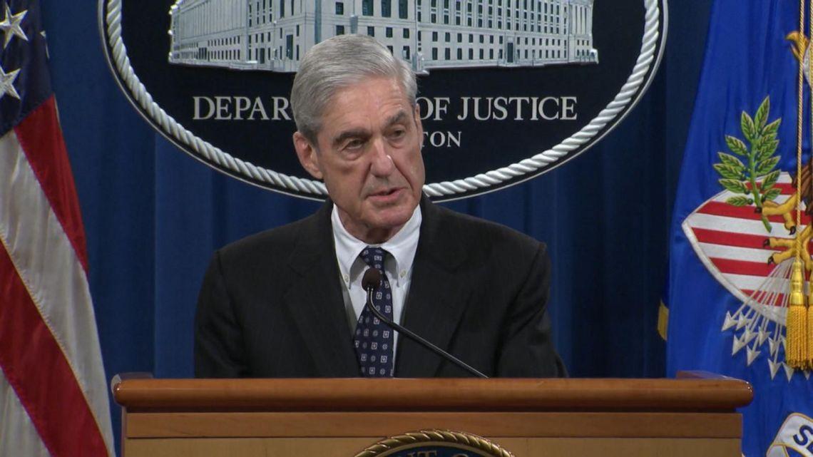De echte bombshell: Mueller gooide net zijn oude DoJ-collega AG Barr onder de bus door te insinueren dat hij loog over de 'schuld' van POTUS Trump in Russische heimelijke afspraken