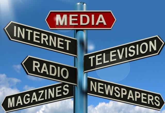Het 'nieuws' in onze kranten, en op de televisiezenders, krijgt meer en meer het karakter van een potsierlijke estafetteloop.
