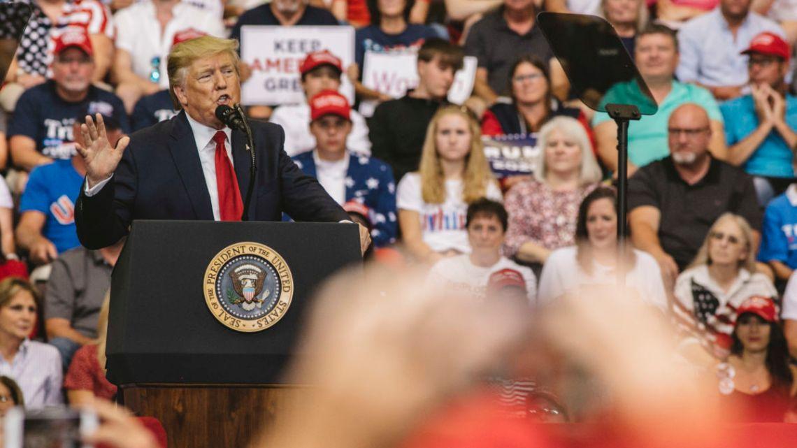 De campagne van de Democratische Partij om president Trump te herverkiezen