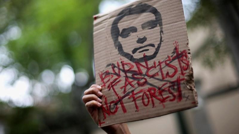Macron geeft niet om Amazon-branden, wat we zien is een G7-infooorlog om Bolsonaro te laten vallen