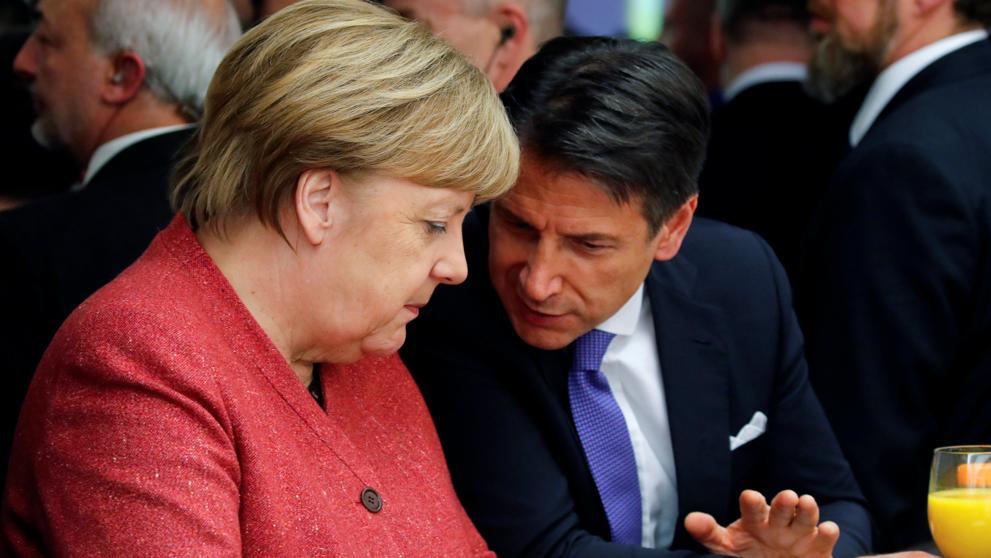 Heeft Merkel zich bemoeid met Italiaanse regeringsvorming?